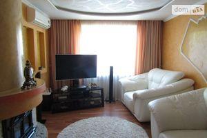 Продается 4-комнатная квартира 87 кв. м в Ужгороде