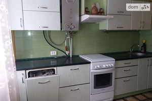Сдается в аренду 1-комнатная квартира 65 кв. м в Черкассах