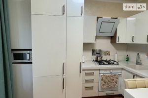 Продается 3-комнатная квартира 72 кв. м в Ужгороде