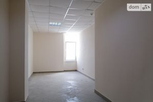 Продається офіс 22.5 кв. м в торгово-офісному центрі