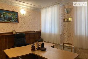 Продається офіс 62 кв. м в нежитловому приміщені в житловому будинку