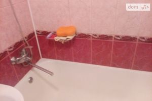 Продается 3-комнатная квартира 62 кв. м в Тростянце